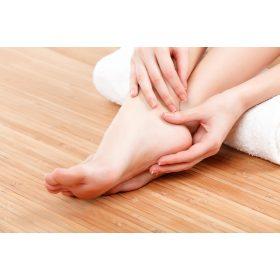 Arc, kéz és lábápoló ajándékcsomagok vízhiányos bőrre
